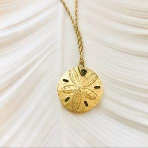 Vintage 👑TRIFARI Gold Chain Sand Dollar Necklace